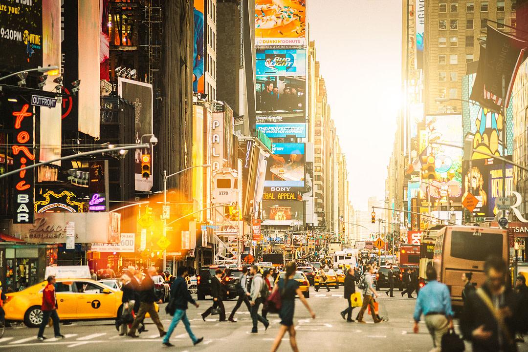 Times Square im Sonnenlicht