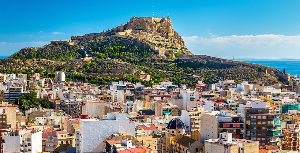 Santa Barbara Burg auf dem Berg Benacantil über Alicante
