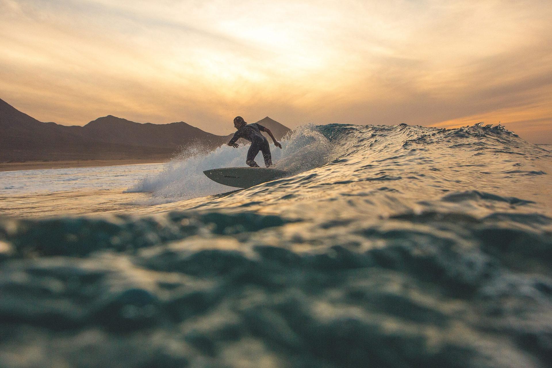 Surfen am Strand Cofete