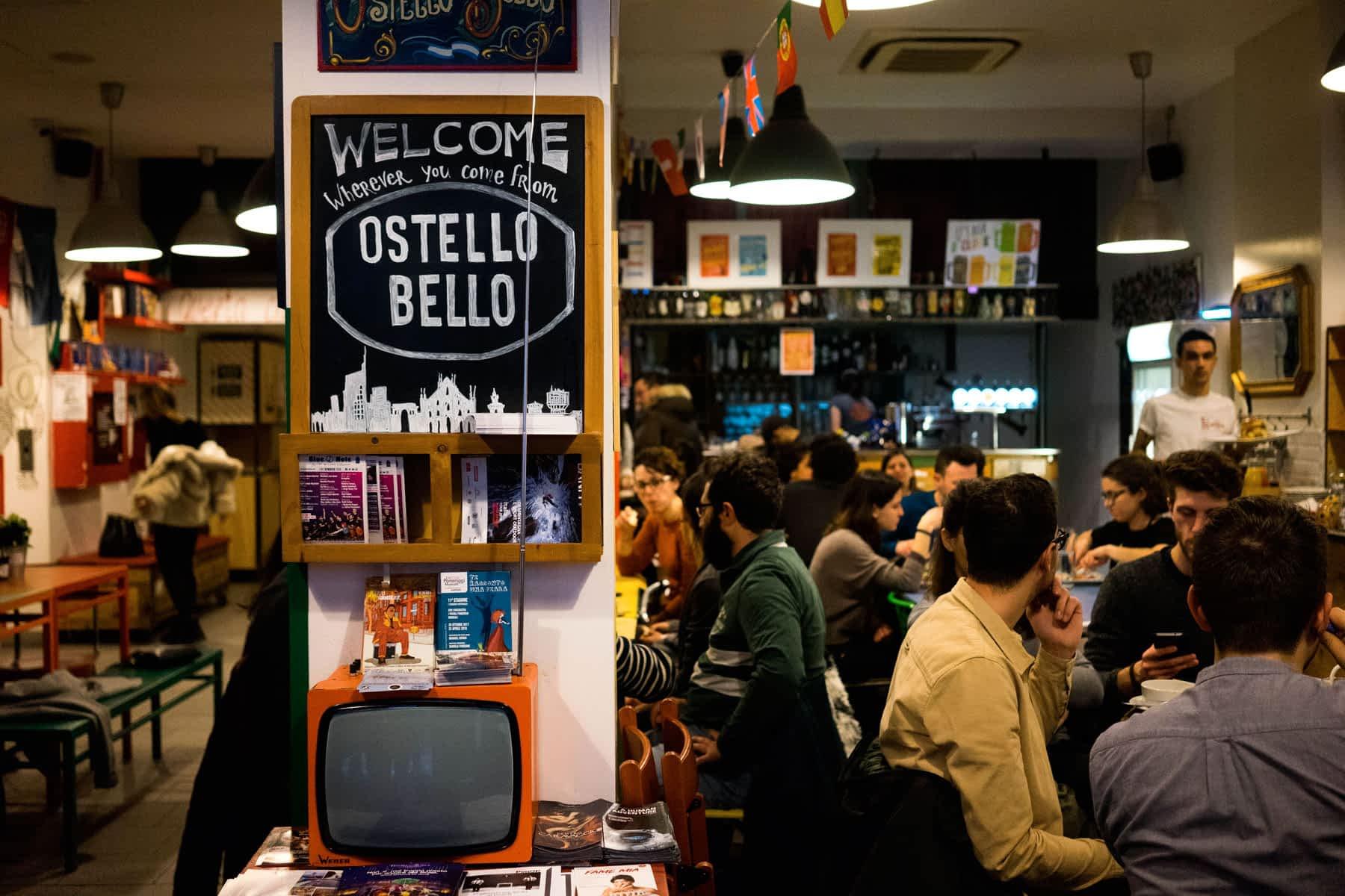 Ostello_Bello_Milano Bar mit Leuten