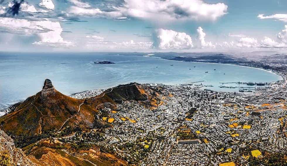 Blick vom Tafelberg auf Kapstadt.
