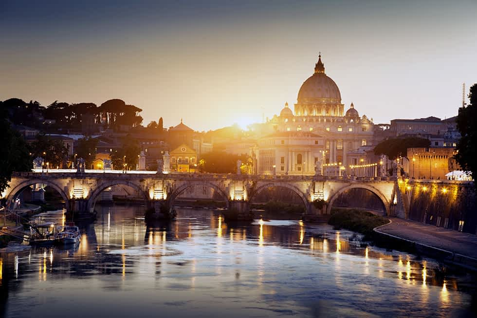 Vaticano by night