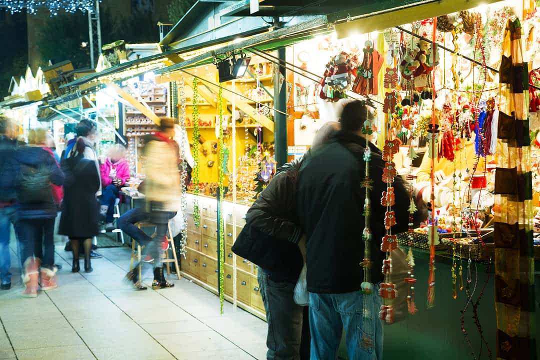 Adventsmarkt Fira de Santa Llucia in Barcelona - fluege.de Travel Insights Magazin